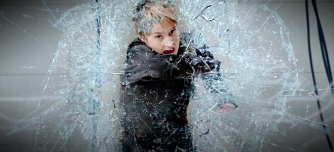 kinopoisk.ru-Insurgent-2529492