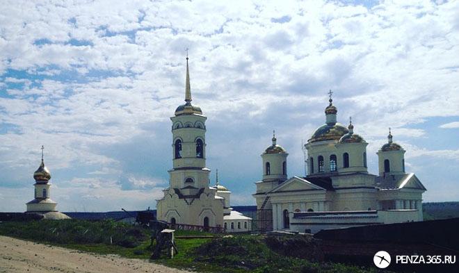 Село Большая Валяевка. Церковь Иконы Божией Матери Живоносный Источник
