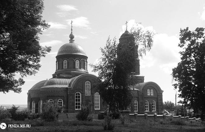 Поселок Мокшан. Церковь Богоявленская. фото