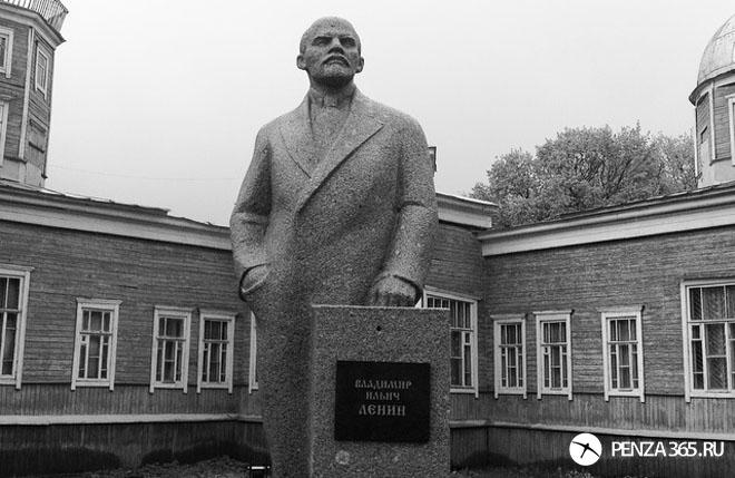 Город Пенза. Памятник Ленину – Парк культуры имени Белинского.