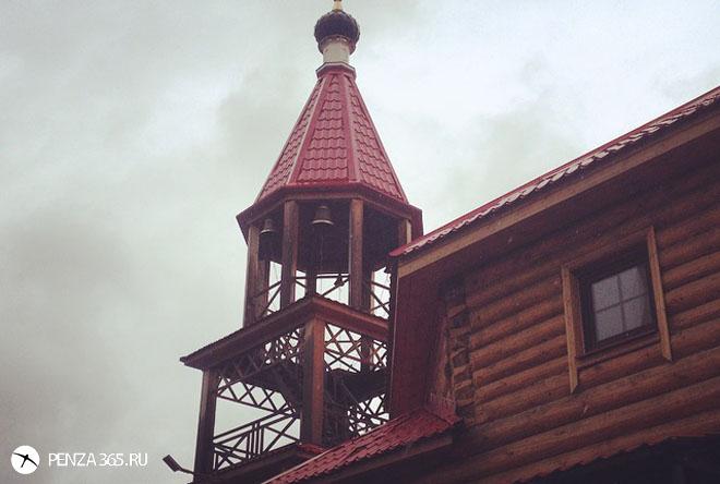 Город Пенза. Храм святых мучеников Адриана и Наталии