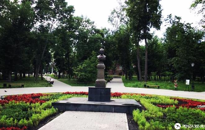 фото Город Пенза. Памятник Лермонтову (Сквер Лермонтова)